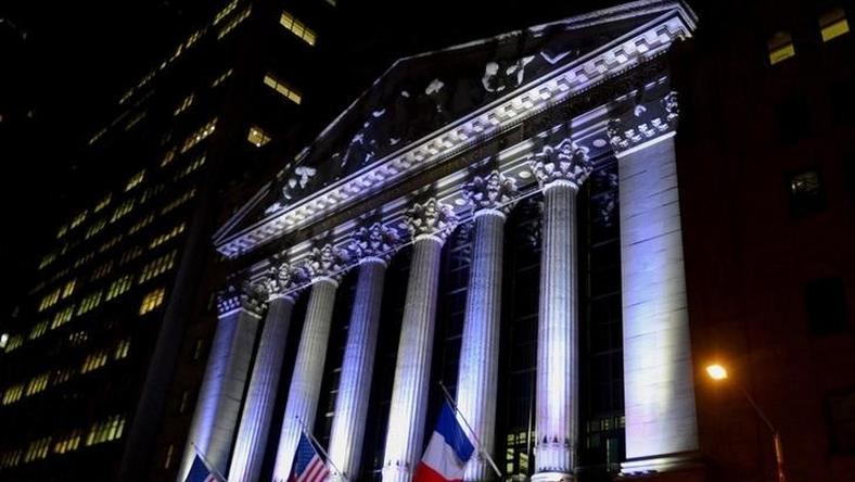 The New York Stock Exchange flies a French flag, in New York, November 14, 2015, following the deadly attacks in Paris. REUTERS/Stephanie Keith