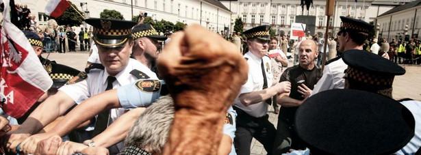 Zdjęcie roku - Grand Press Photo 2011 Jacek Waszkiewicz, Agencja Fotograficzna Reporter