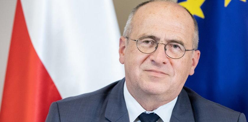 Minister Rau narzeka na Bidena. Szczerski zaprzecza kryzysowi. Jaka jest prawda?