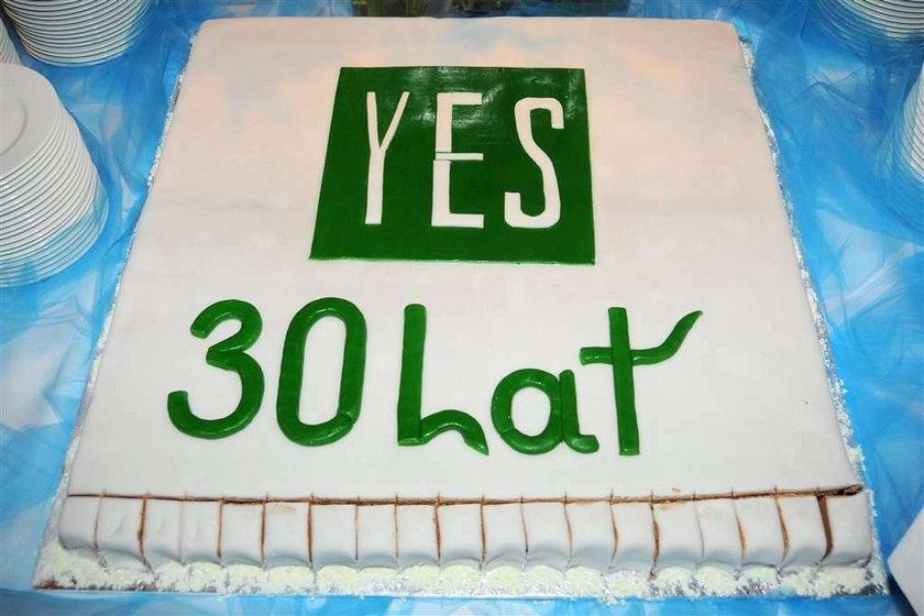 30 lat YES