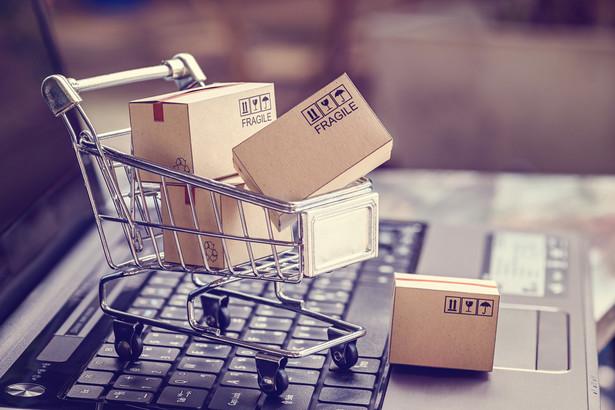 Jak rozróżnić charakter zakupów? Sklepy internetowe mogą mieć z tym problem.