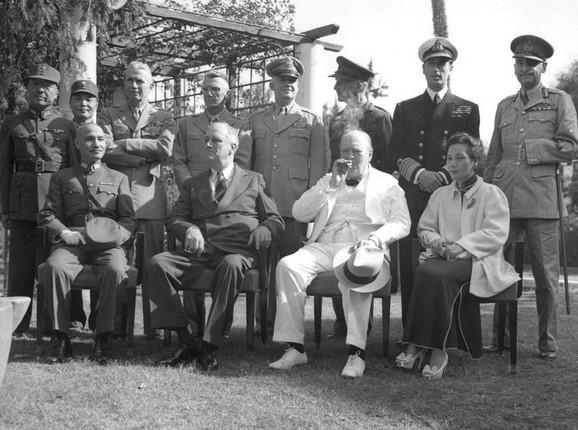 De Vart u Kairu (gore, desno)