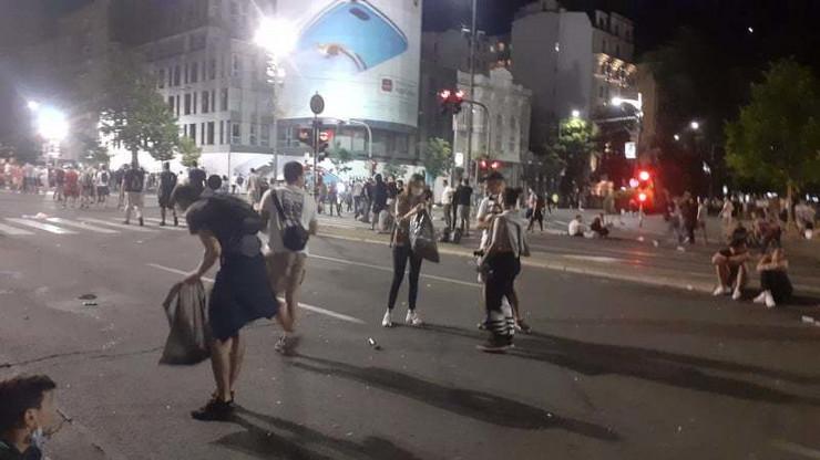 Studenti sakupljaju smeće 3. dan protesta Beograd