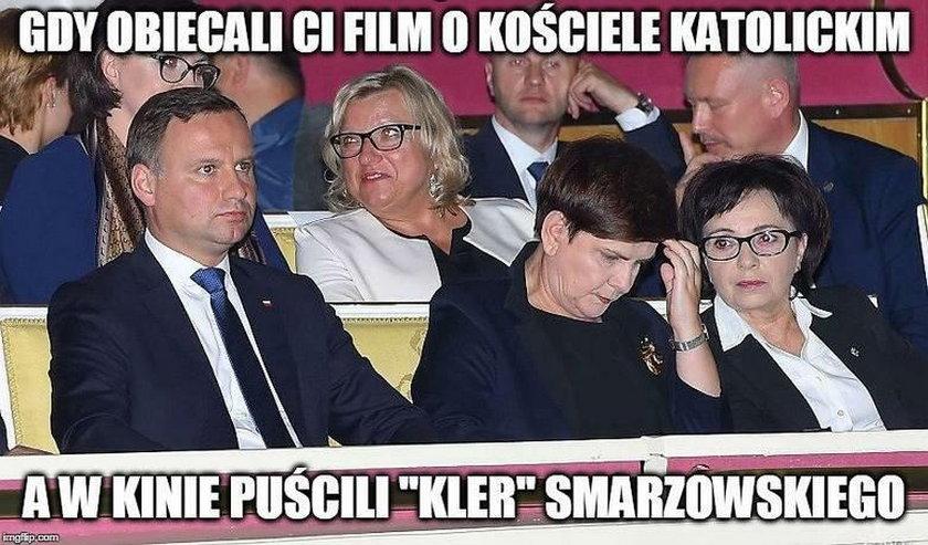 "Memy i rysunki satyryczne o filmie ""Kler"""