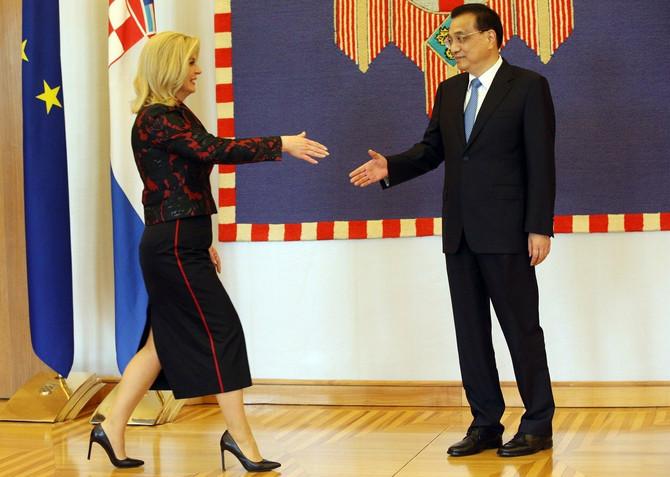 Crveno-crni modni spoj Kolinde Grabar Kitarović