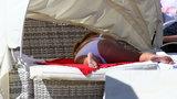 Katarzyna Niezgoda na plaży. Pocałunki, przytulanie... dużo namiętności