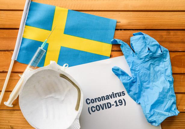 """""""W tańcu śmierci wszyscy muszą cierpieć jednakowo"""" - tak szwedzkie podejście do rozwiązania kryzysu określa publicysta gazety """"Svenska Dagbladet"""". Wg dziennika dla władz Szwecji ważniejsze jest równomierne rozprzestrzenienie się wirusa niż walka ze skalą pandemii."""