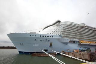 """Potomkowie """"Titanica"""" dzielą rynek rejsów, rządzą na morzach i liczą zyski"""