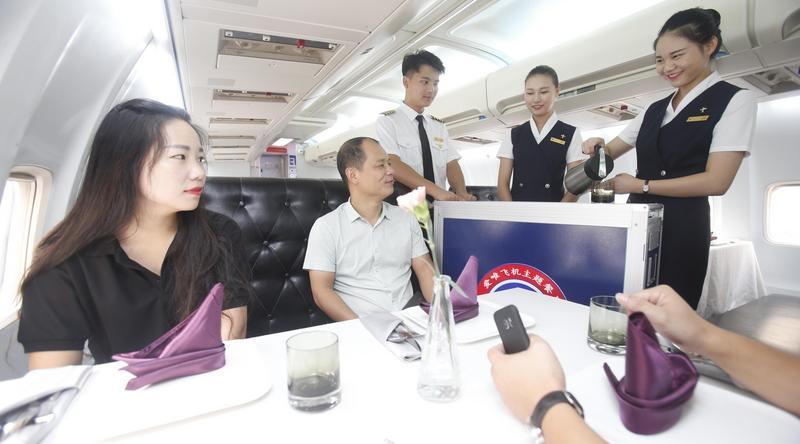 Restauracja w Boeingu 737