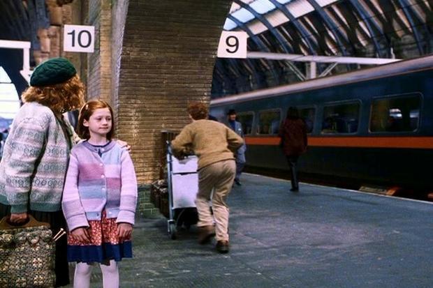 """""""Harry Potter i Kamień Filozowiczny"""" (2001)"""