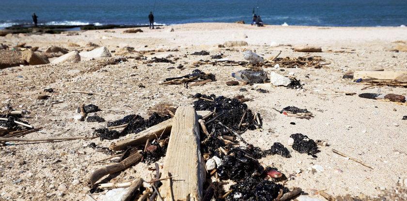 Katastrofa ekologiczna w Izraelu. Wyciek ropy zdewastował wybrzeże