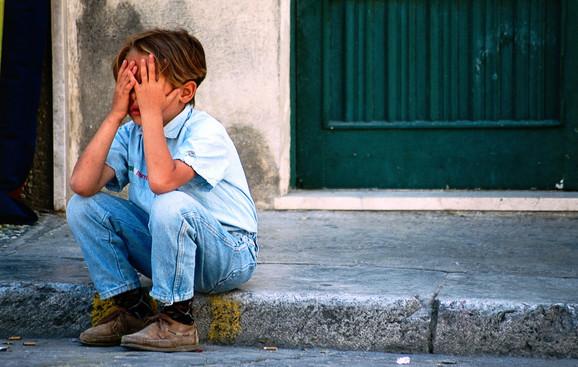 Odbačeno dete je najčešće nepoverljivo, povučeno i pasivno