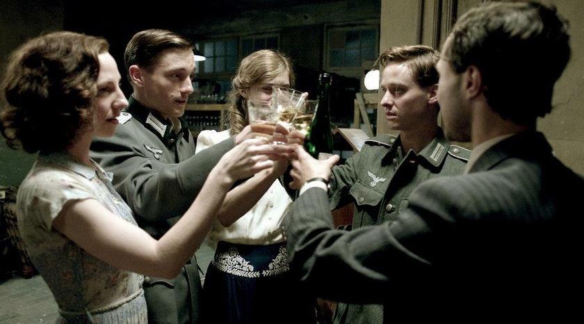 """Żołnierze AK pozywają ZDF za serial """"Nasze matki, nasi ojcowie"""""""