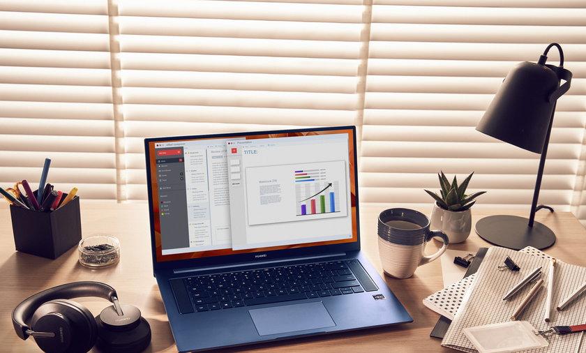 MateBook D16 Lifestyle Photo  (5) Office Use