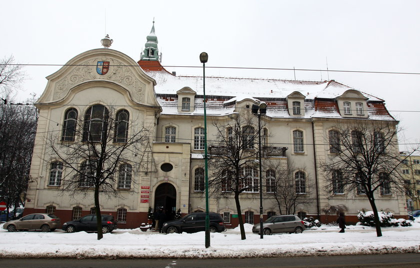 Dawid Kostempski( 35 l.) nie odprowadza na czas składek do ZUS za urzędników