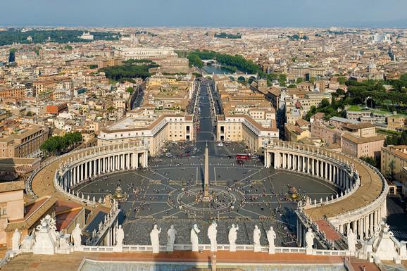 Zbog nedostatka sveštenika, Vatikan razmišlja da donese RADIKALNU ODLUKU