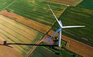 Powrót do starych zasad opodatkowania farm wiatrowych dotkliwie przetrzebi budżety najmniejszych jednostek