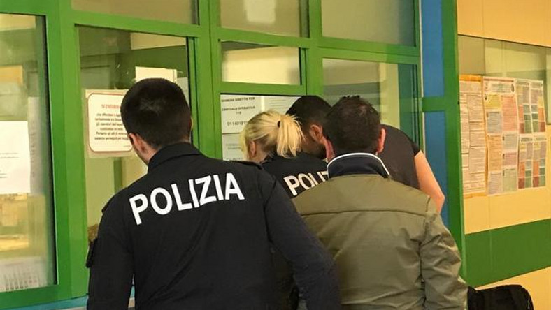 Colleagues of the injured agent at a medical center [Corriere Torino]