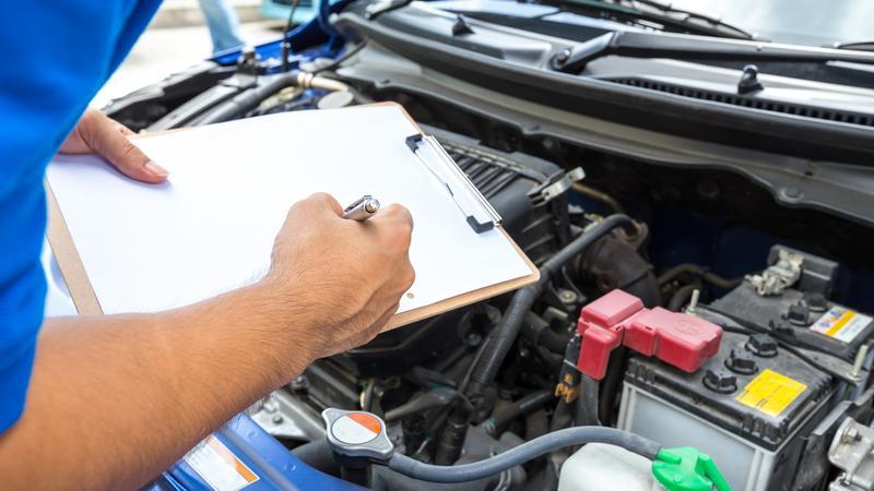 samochód mechanik przegląd
