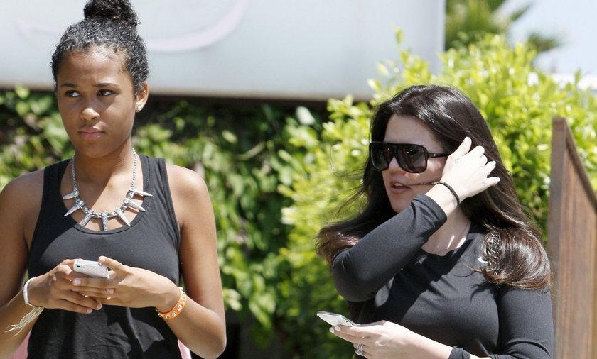 Khole Kardashian z dziećmi mężą