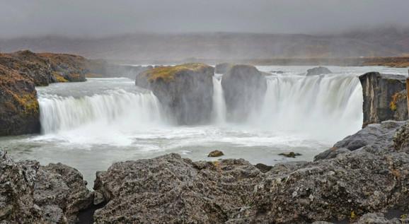 Island je zemlja koja obiluje prirodnom lepotama