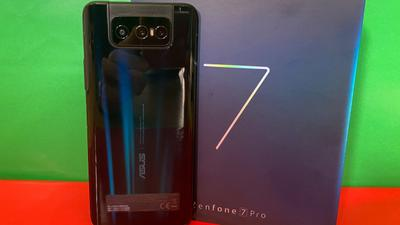 Asus Zenfone 7 Pro: Turbo-Smartphone mit Flip-Kamera
