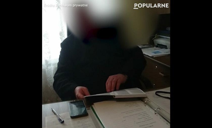 Ksiądz żąda 800 zł za sporządzenie oświadczenia - w sieci jest nagranie.