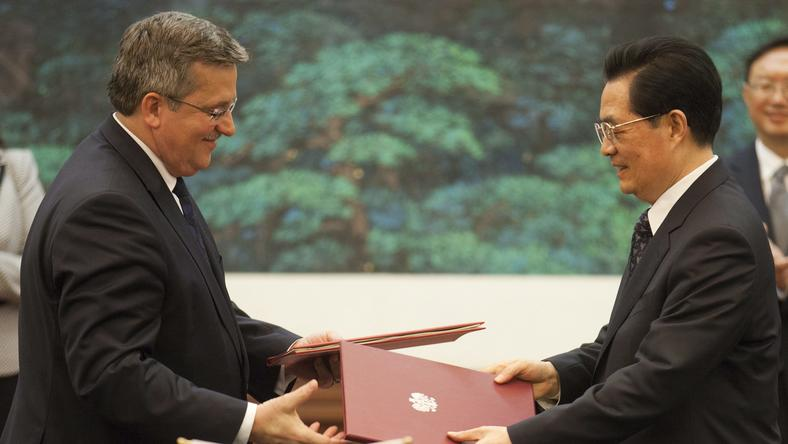 Bronisław Komorowski i Hu Jintao, fot. PAP/EPA