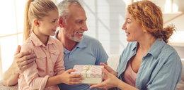 Oto sprawdzone prezenty na Dzień Babci i Dziadka. Z tego będą zadowoleni!