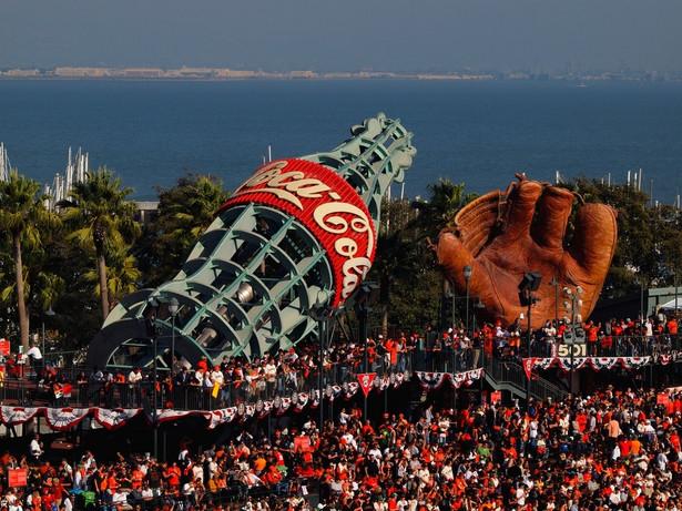 Miejsce 12. Coca-Cola Wartość marki: 33.722 mld dolarów Miejsce w poprzednim rankingu: 9 Kraj: USA