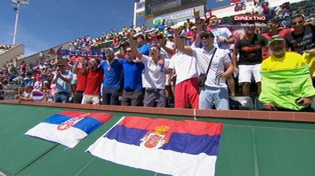 Noletovi navijači sa srpskim trobojkama