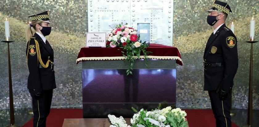 Pogrzeb znanego varsavianisty. Jarosław Zieliński spoczął na Powązkach