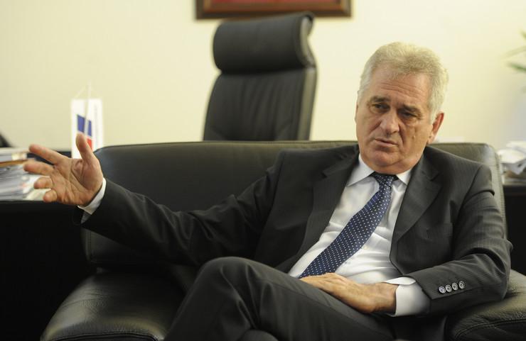 Tomislav Nikolić, bivši predsednik Srbije, posluje u selu najbližeg saradnika Nedeljka Tenjovića