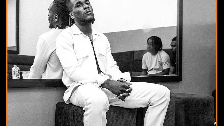 Burna Boy's social media accounts will now be handled by his management.[Instagram/BurnaBoyGram]