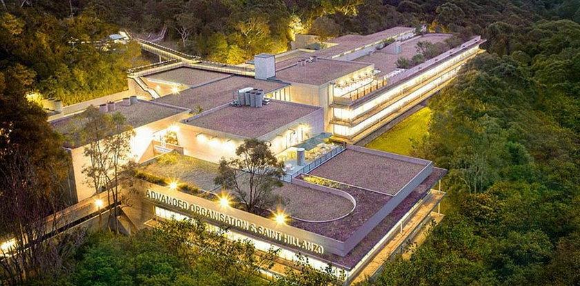 Luksusowe wnętrza siedziby sekty dla bogaczy