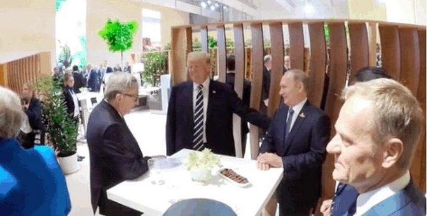 Trump poklepał się z Putinem