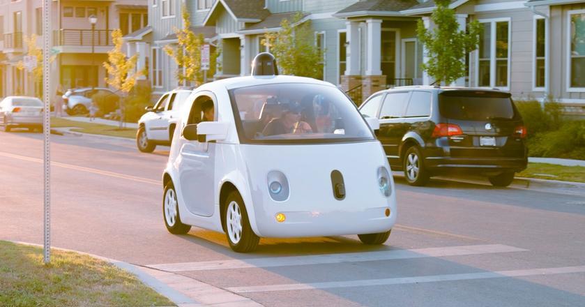 """""""Koala"""" aka """"Świetlik"""" - autonomiczny samochód Google bez kierownicy i pedałów"""
