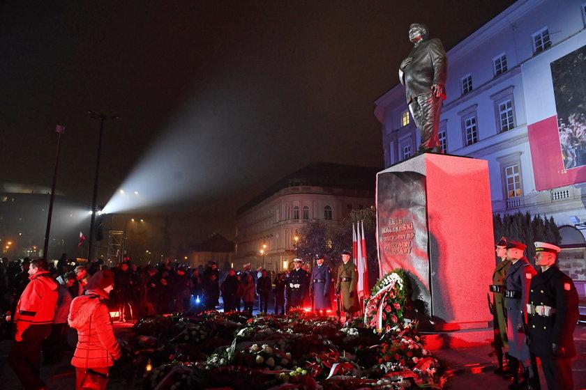 Była premier o pomniku Kaczyńskiego. Krytykuje PiS