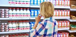 Kupujesz mleko w kartonie? Lepiej to przeczytaj
