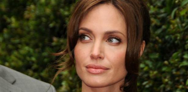 Angelina Jolie - 30 mln dolarów