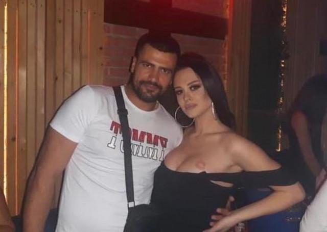 Tijana sa momkom koji je napravio haos na njenom nastupu