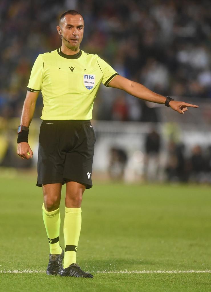 Fudbalski sudija Marko Gvida na meču Partizan - AZ Alkmar