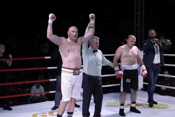 Trenutak kada je Boban Filipović proglašen za pobednika duela protiv Goleša