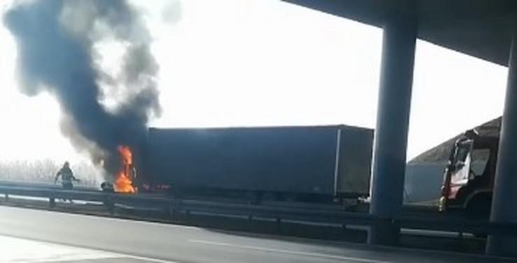 kamion požar