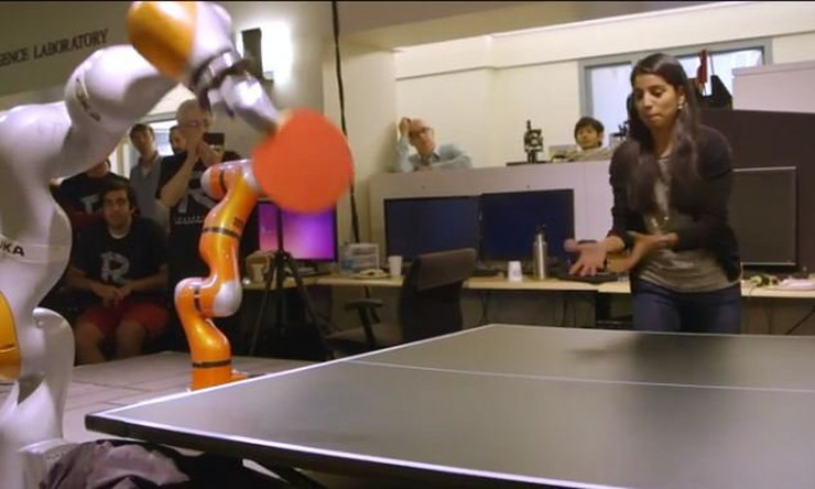 644070_robot-stoni-tenis