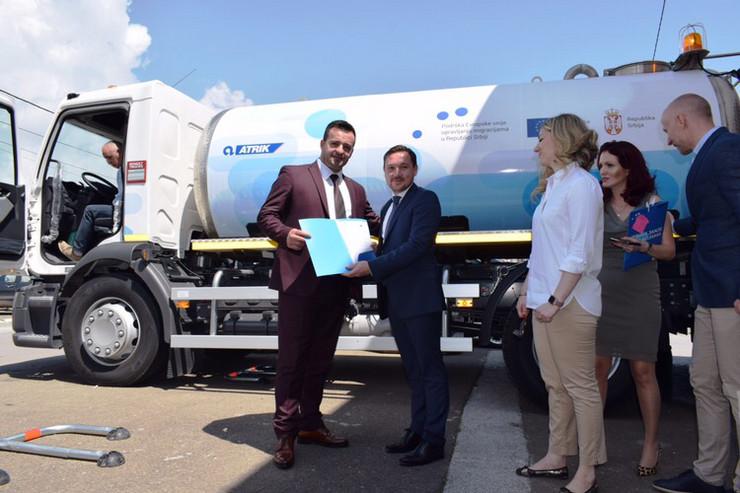 JKP Vrela u Sjenici uručena cisterna za vodu kupljena sredstvima Evropske unije