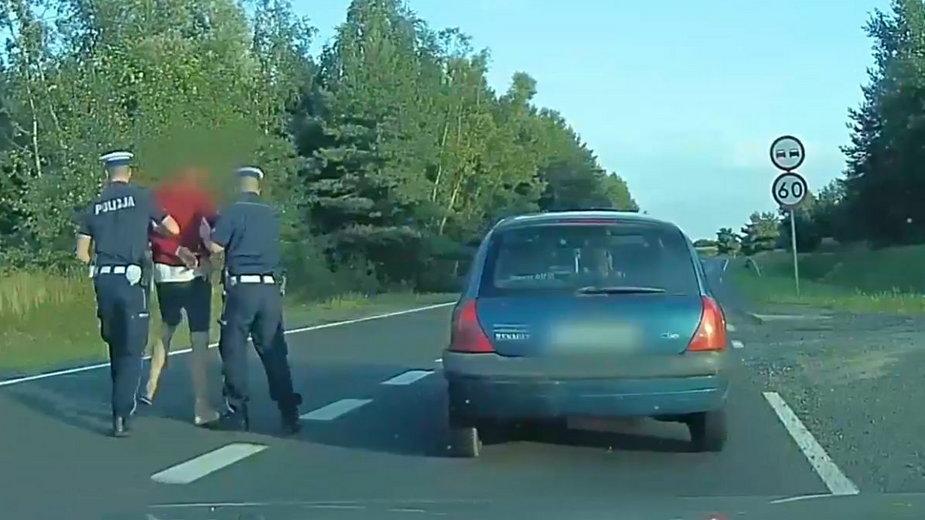 Zatrzymanie pijanego kierowcy renault
