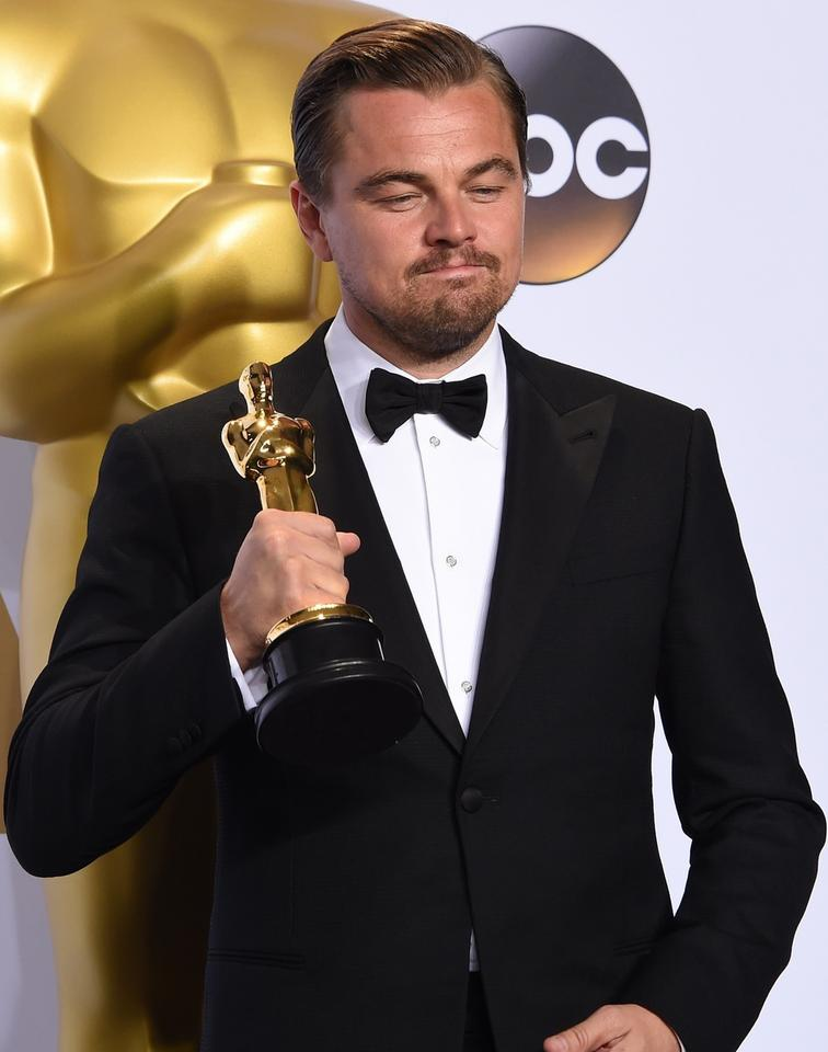 696 tys. dolarów to wartość statuetki Oscara pokrytej 24-karatowym złotem.