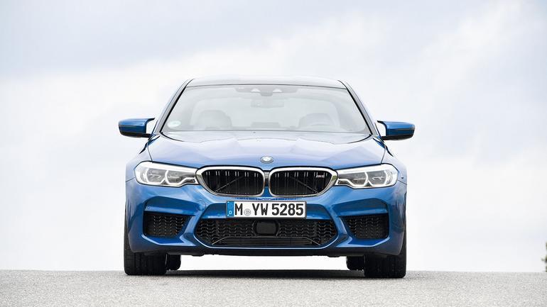 BMW M5 kontra Mercedes-AMG E 63 S+ - pojedynek gigantów