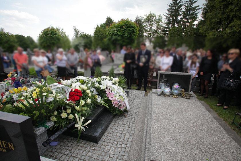 Bliscy, fani i przyjaciele pożegnali wybitną aktorkę w Ostrowcu Świętokrzyskim